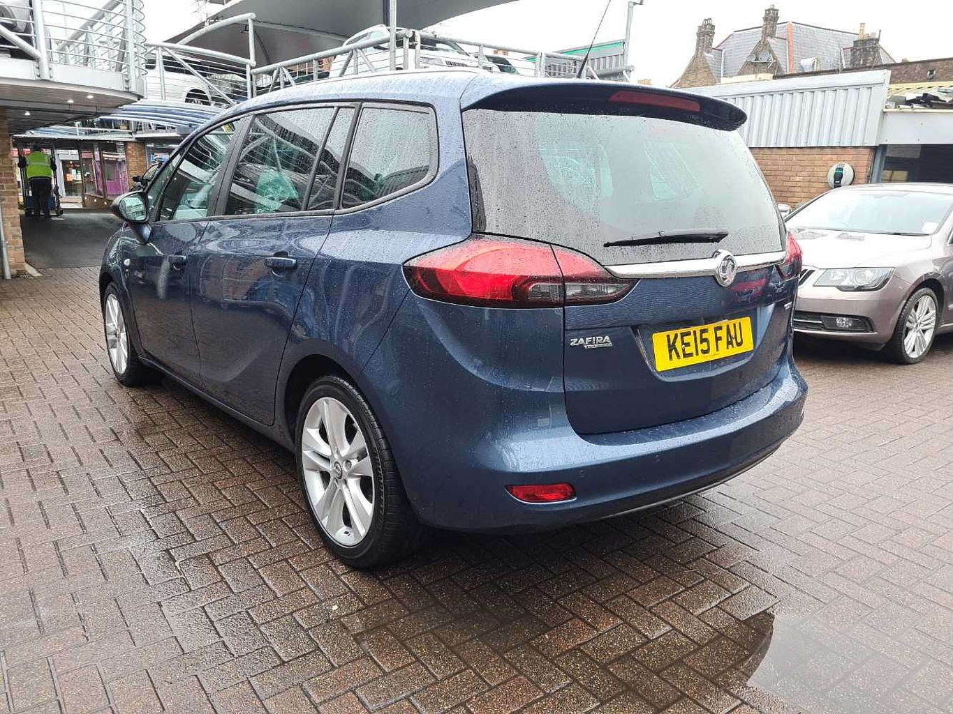 Vauxhall Zafira Tourer 2.0 CDTi 16v (130PS) SRi 5-Door MPV